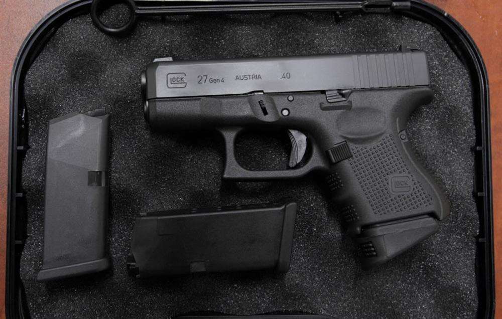 Glock 27 40 S&W Police Trade-ins Gen4 with 3 Mags, Night Sights and Case -  $429 48 (Free S/H on Firearms)
